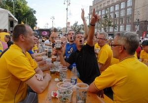 Посетители фан-зоны в Киеве съели два километра сосисок за три дня - мэрия