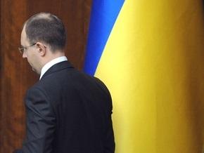 Опрос: Во втором туре выборов Яценюк побеждает Тимошенко, но уступает Януковичу