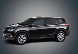 Toyota сделает из RAV4 гибрид