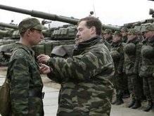 Медведев призвал развивать ядерные силы и воздушно-космическую оборону
