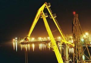 Ъ: Минэкономики снизит ставки портовых сборов