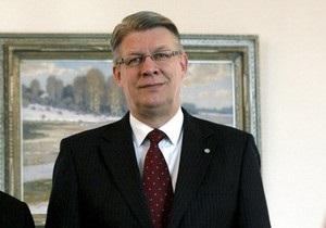 Белорусский телеканал покажет интервью с президентом Латвии