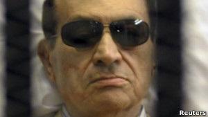 Власти Египта решили вернуть Хосни Мубарака в тюрьму
