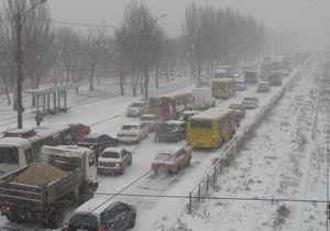 На Мариуполь обрушилась стихия: в городе образовались многокилометровые пробки