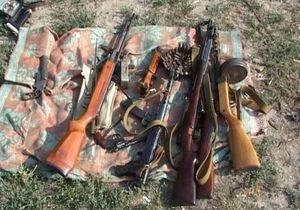 Трое жителей Луганской области продавали в интернете автоматы, пулеметы, гранаты и мины