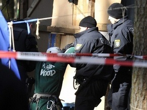 Двадцатисемилетняя немка выбросила детей с балкона и спрыгнула сама