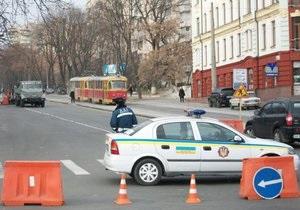 Перед днем рождения Тимошенко власти перекрыли дорогу возле СИЗО под видом ремонтных работ