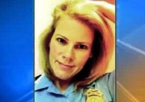 В США женщину-полицейского наказали за выложенные в интернет откровенные фотографии