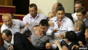 Би-би-си: Сердце союзников Януковича в Раде склонно к измене