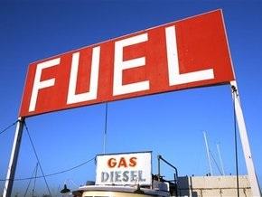 Рынок сырья: Нефть дорожает, золото снижается