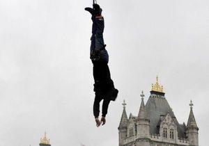 Житель Великобритании  установил мировой рекорд по прыжкам с тарзанки