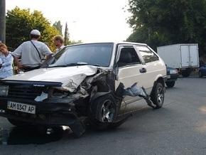 СМИ: В Житомире нетрезвый священник совершил ДТП, после чего публично помочился на забор