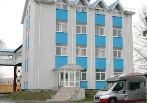 Неизвестные в форме налоговиков захватили Львовский хладокомбинат