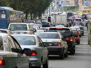 В Киеве ограничат движение транспорта по четырем улицам и Южному мосту