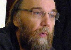Идеологу Евразийского союза молодежи разрешили въезд в Украину
