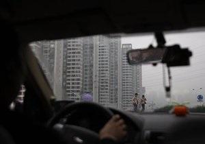 Опрос: Более 90% украинских водителей разговаривают по телефону за рулем