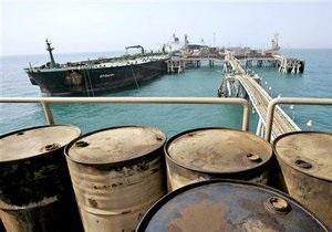 Мировые цены на нефть значительно снизились из-за опасности мировой рецессии