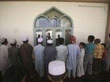 Взрыв в пакистанской мечети: 12 человек погибли