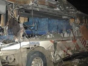 В Перу столкнулись два автобуса и грузовик: 14 человек погибли