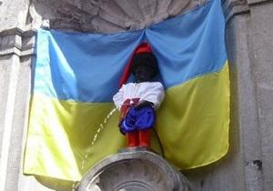 Писающего мальчика в Брюсселе оденут в костюм Ярослава Мудрого