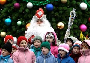Узбекским телеканалам запретили показывать Деда Мороза - СМИ