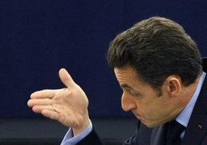 Рейтинг президента Франции упал ниже 30%
