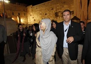 Фотогалерея: В святом месте. Памела Андерсон посетила Иерусалим