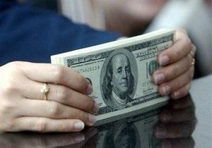 Межбанковская гривна ослабла в последний торговый день недели