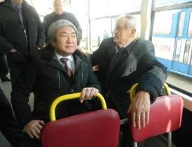 В Запорожье прямо во время презентации сломался новый трамвай