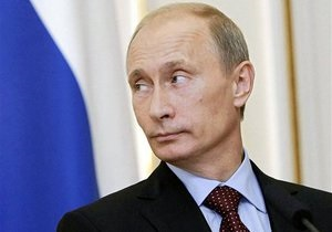 Путин ужесточил наказание за нацистскую символику