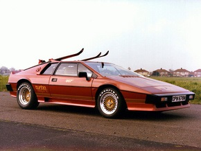 Неизвестный купил автомобиль Джеймса Бонда более чем за $170 тысяч