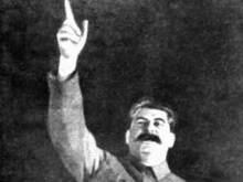 Коммунисты начнут раскопки памятника Сталину