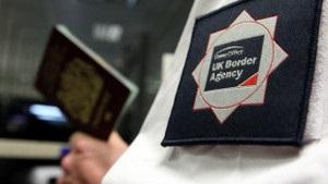 Вестминстер: власти  потеряли  сотни тысяч нелегалов