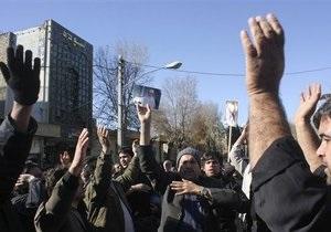 В Иране на похоронах аятоллы-диссидента произошли столкновения оппозиции с полицией