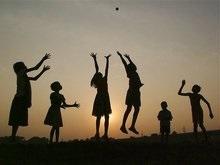 Кабмин выделил 4,6 млн гривен детям-сиротам