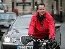 Лидеру британской оппозиции вернули велосипед без колеса