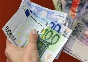 Евро на межбанке подешевел на 10 копеек