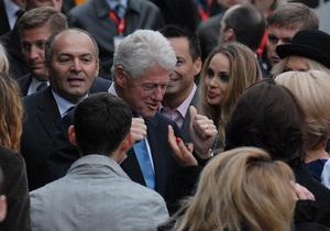Фотогалерея: Битва за будущее. Билл Клинтон и украинские звезды против СПИДа