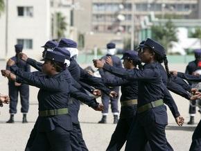 Фотогалерея: Ющенко в женской полицейской академии