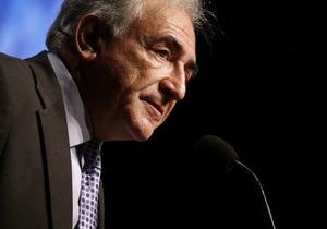 Книга:  Глупая связь  с горничной стоила Стросс-Кану возможности стать новым президентом Франции