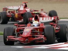 Итальянские СМИ: Безупречная работа Ferrari не оставила ее соперникам ни одного шанса