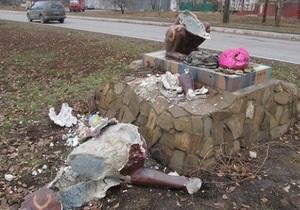 В Луганске восстановили разрушенную скульптуру льва, которую подарил Львов