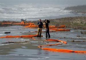 BP: На ликвидацию нефтяного пятна может уйти три месяца