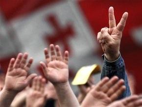 Грузинская оппозиция договорилась митинговать мирно