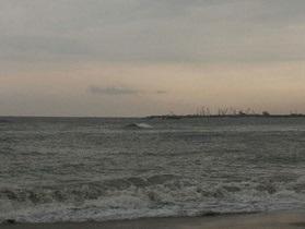 Паром с 250 пассажирами затонул в Индии из-за шторма