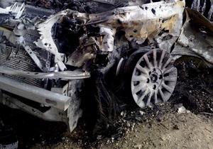 Сегодня на Южном мосту в Киеве сгорел автомобиль