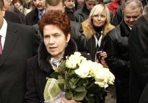 УПЦ МП наградила Людмилу Янукович и Рината Ахметова