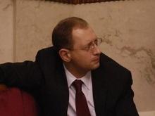 Яценюк: Раду нужно освятить, чтобы там ночью черти не летали