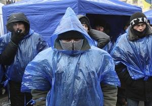 В ЦИК явились депутаты от ПР. Сторонники Януковича продолжают акции