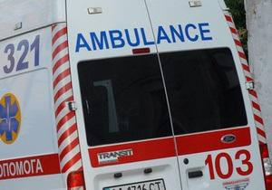 В Кременчуге иномарка врезалась в девятиэтажку: два человека погибли